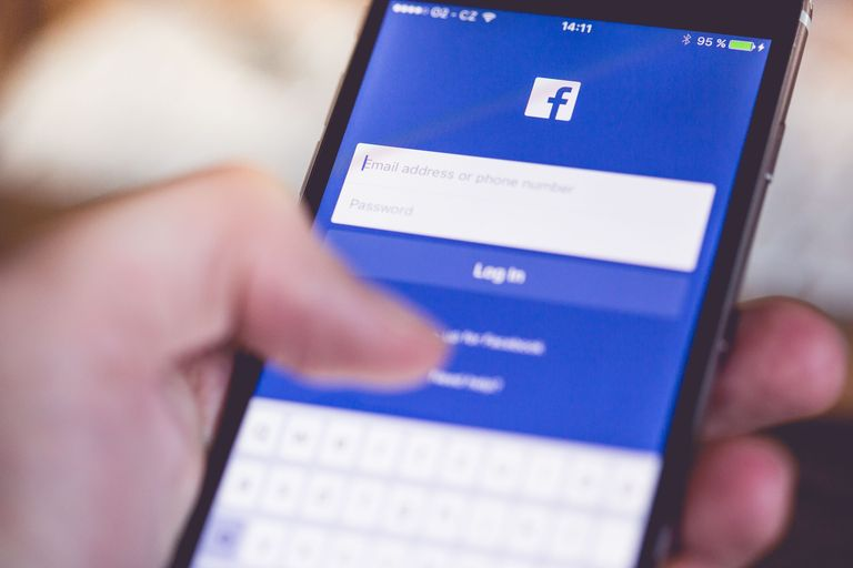 5 Things You Should Never Post on Facebook